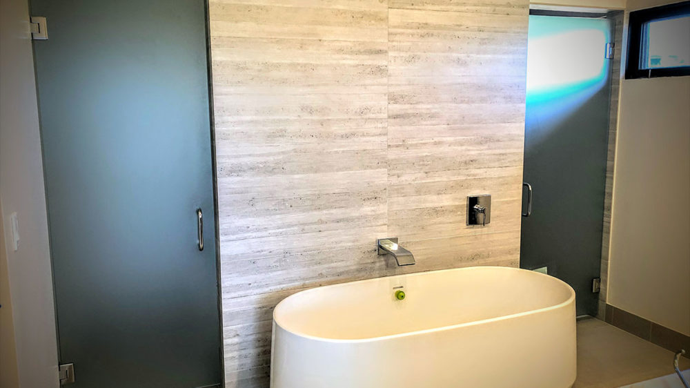 Frameless-Acid-Etched-Doors–Hadley-Toilet-and-Shower